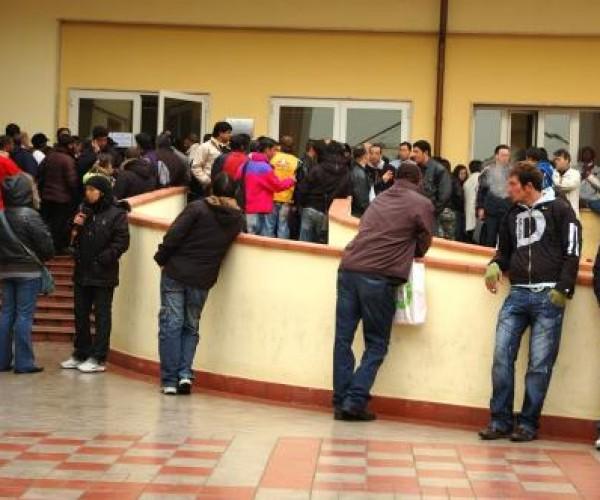 الداخلية الإيطالية: تلقينا أكثر من 93 ألف طلب تسوية أوضاع مهاجرين