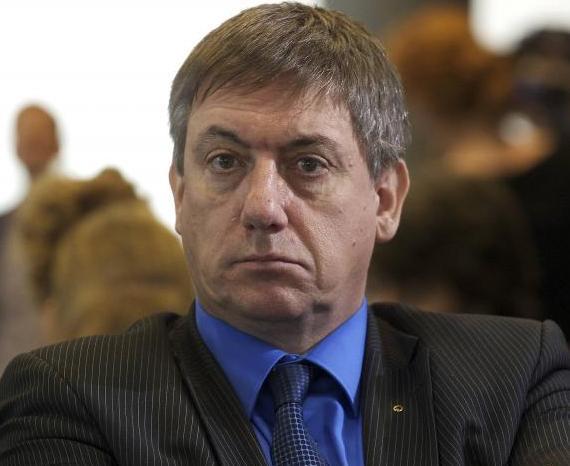 وزير الداخلية البلجيكي يان يامبون