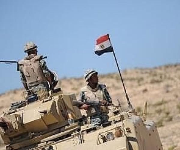 مصر: مقتل شرطيين وإصابة مجند في انفجار بالعريش