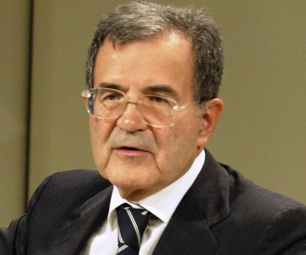 رئيس المفوضية الأوروبية الأسبق: مساعدة المهاجرين في بلدان المنشأ، كذبة
