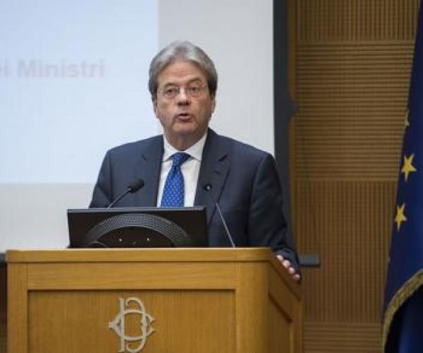 برلماني إيطالي معارض: لماذا لا يرتب جينتيلوني لقاءا مع الجنرال حفتر