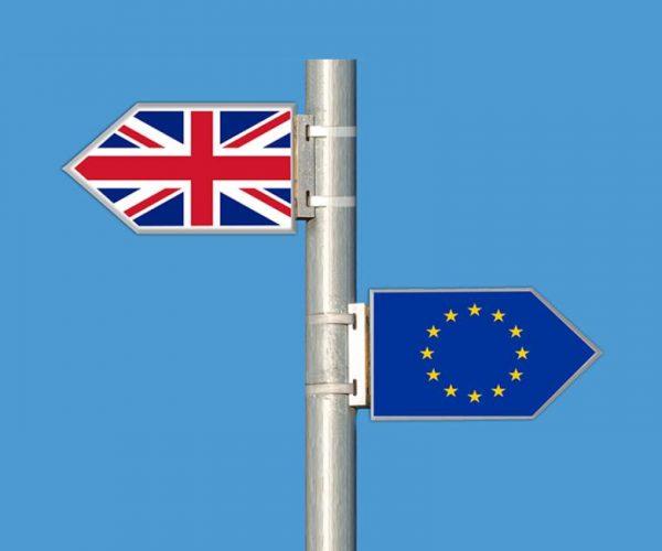 نائب رئيس المفوضية يطالب بريطانيا بتسريع العمل لتنفيذ اتفاق بريكست