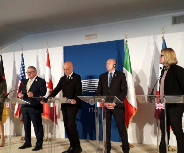وزير الداخلية الايطالي: تحالف دولي لوقف انتشار المحتوى الارهابي بالانترنت