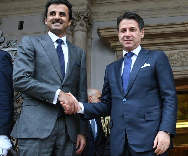 رئيس حكومة إيطاليا يلتقي أمير قطر ويوقع اتفاقيات معه
